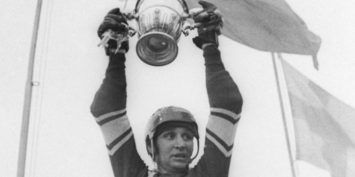 Валерий Маслов советский хоккеист