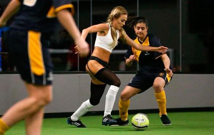 Современный женский футбол