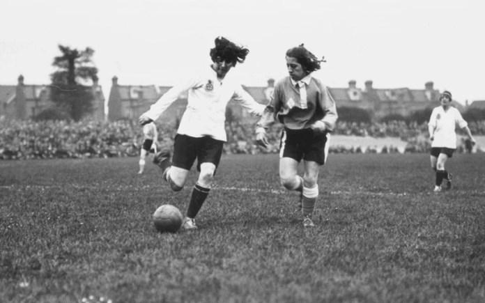 Первый женский футбольный матч