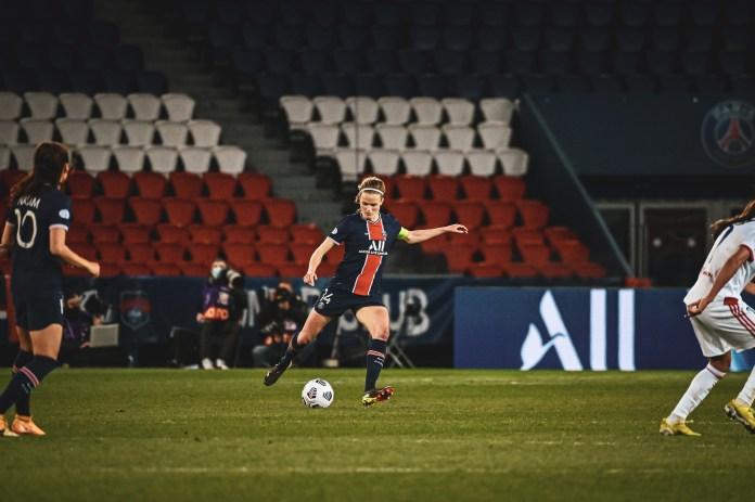 Les photos de PSG-Lyon avec Laura Pestel