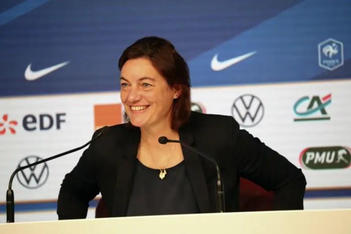 Corinne Diacre au sujet des Lyonnaises cas contact en conférence de presse.