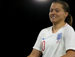 Fran Kirby a marqué dans deux coupes du monde pour l'Angleterre. ©2018 Sven Beyrich (El Loko Foto)