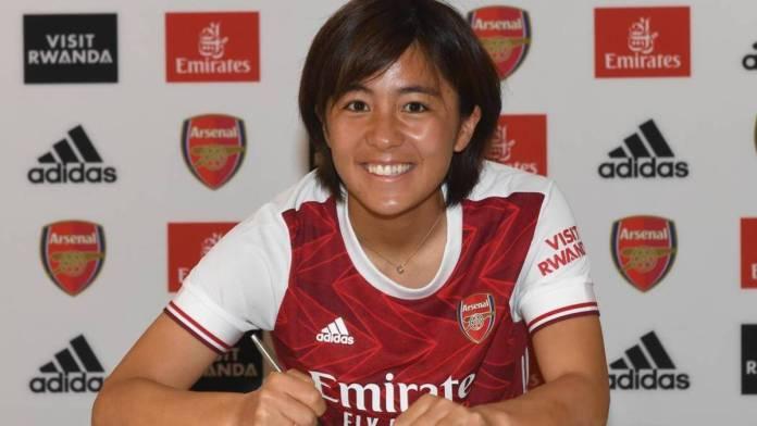 Mana Iwabuchi signe à Arsenal