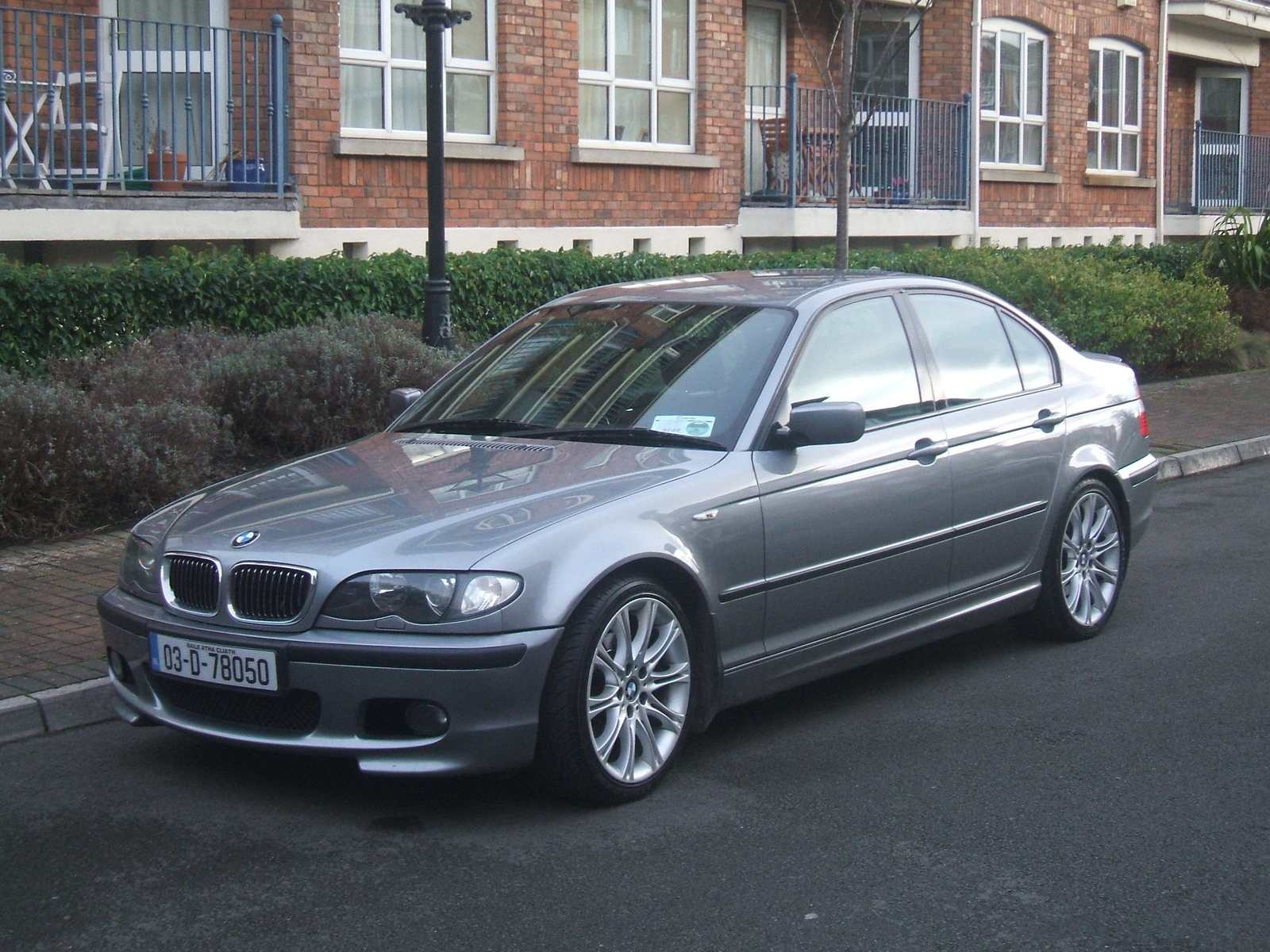 hight resolution of bmw 3 series 328i 2004 photo 1
