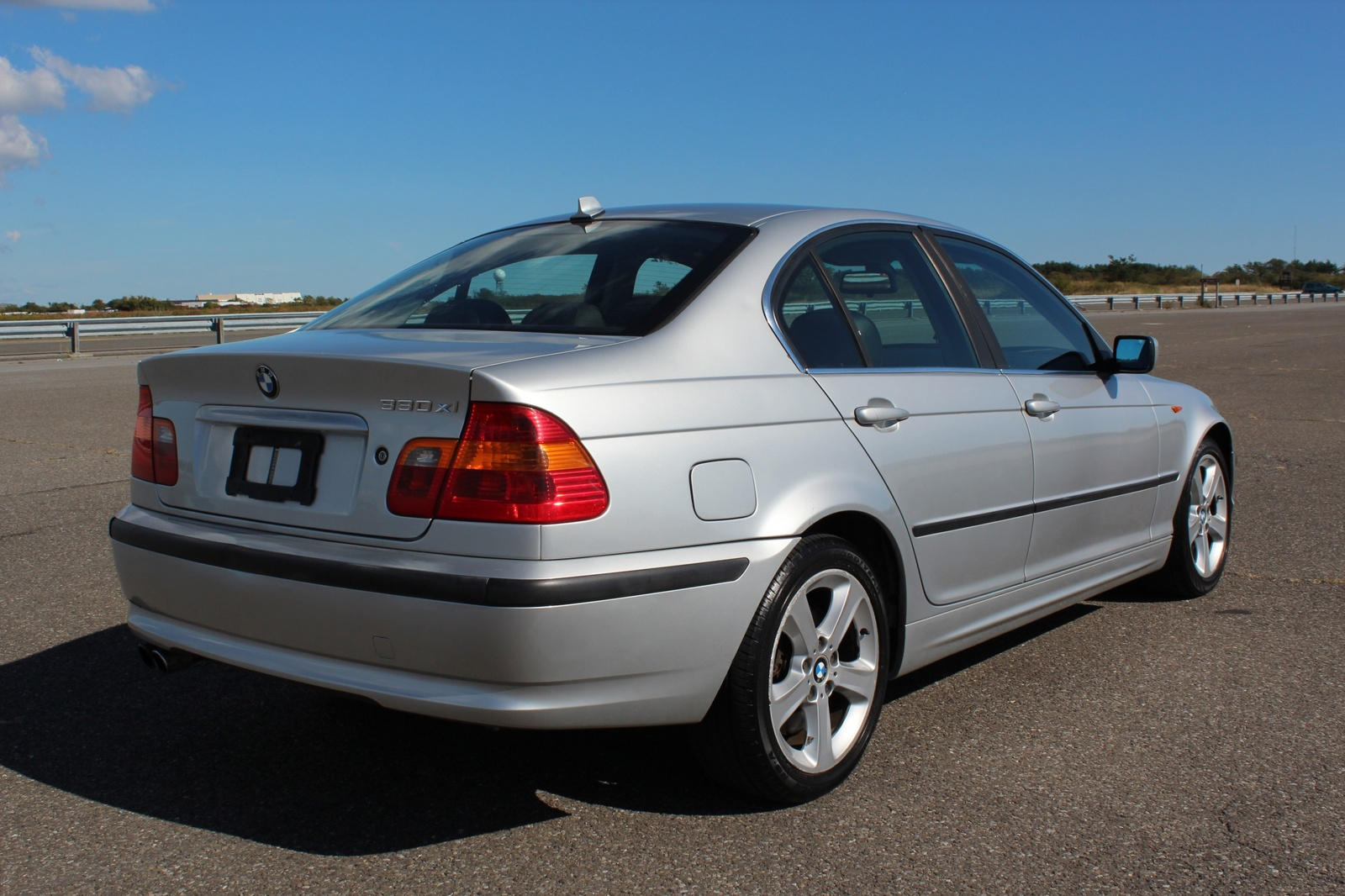 hight resolution of bmw 3 series 328i 2004 photo 4