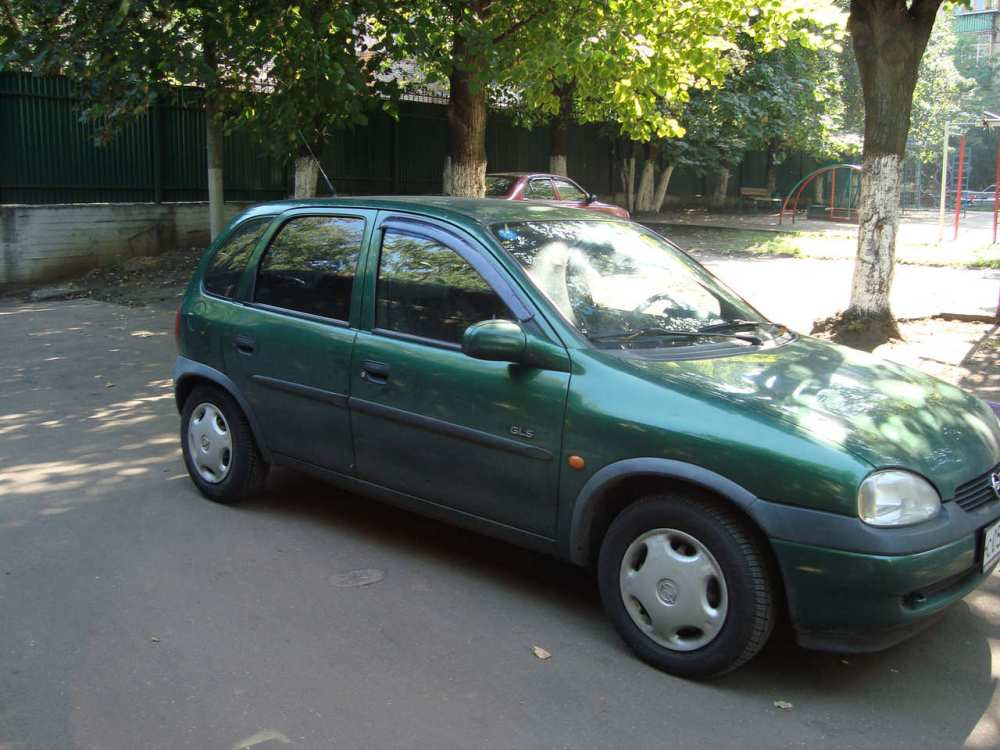 medium resolution of opel corsa 1 4 1998 photo 1