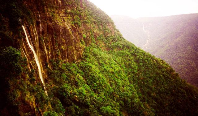 naukalakai waterfall