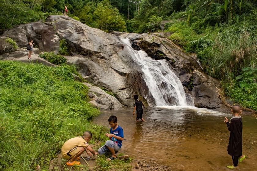pai-waterfall