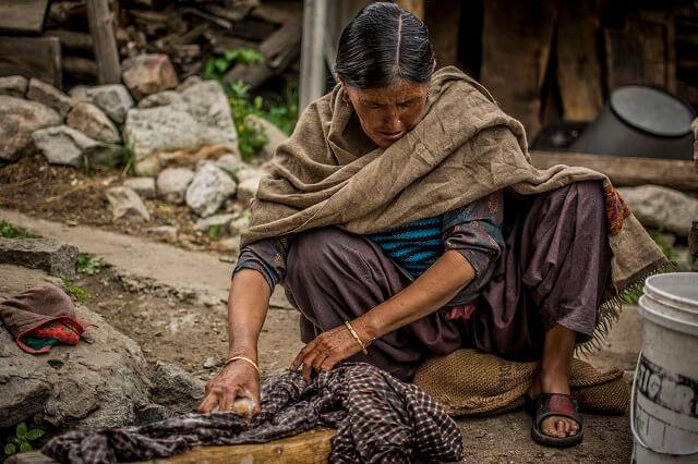 indian-woman-laundary