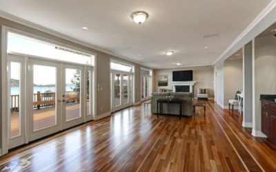 How Much Do Floor Refinishing Franchises Make?