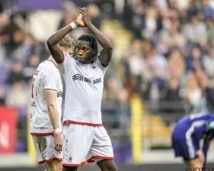 Belgique : Un Mbokani divin et ovationné envoie Bolasie et Anderlecht en enfer