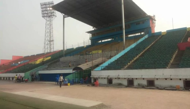 Les travaux de réhabilitation du stade Tata Raphaël lancés