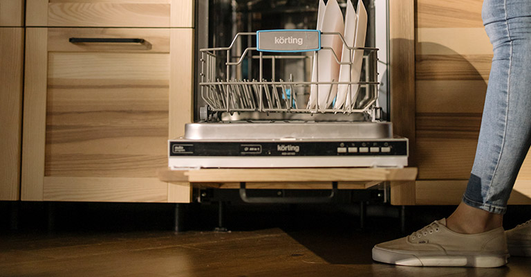 Best Shoes for Dishwashers