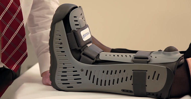 How Long Do You Wear Boot After Bunion Surgery FI