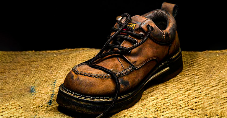 Collect A Pair of Shoes With Untie Laces