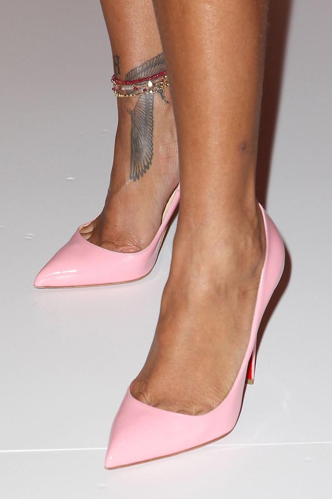 Rihanna Foot Tattoo : rihanna, tattoo, Celebrity, Foot,, Ankle, Tattoos, Shoes, [PHOTOS], Footwear