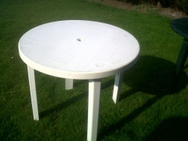 White Plastic Round Outdoor Table