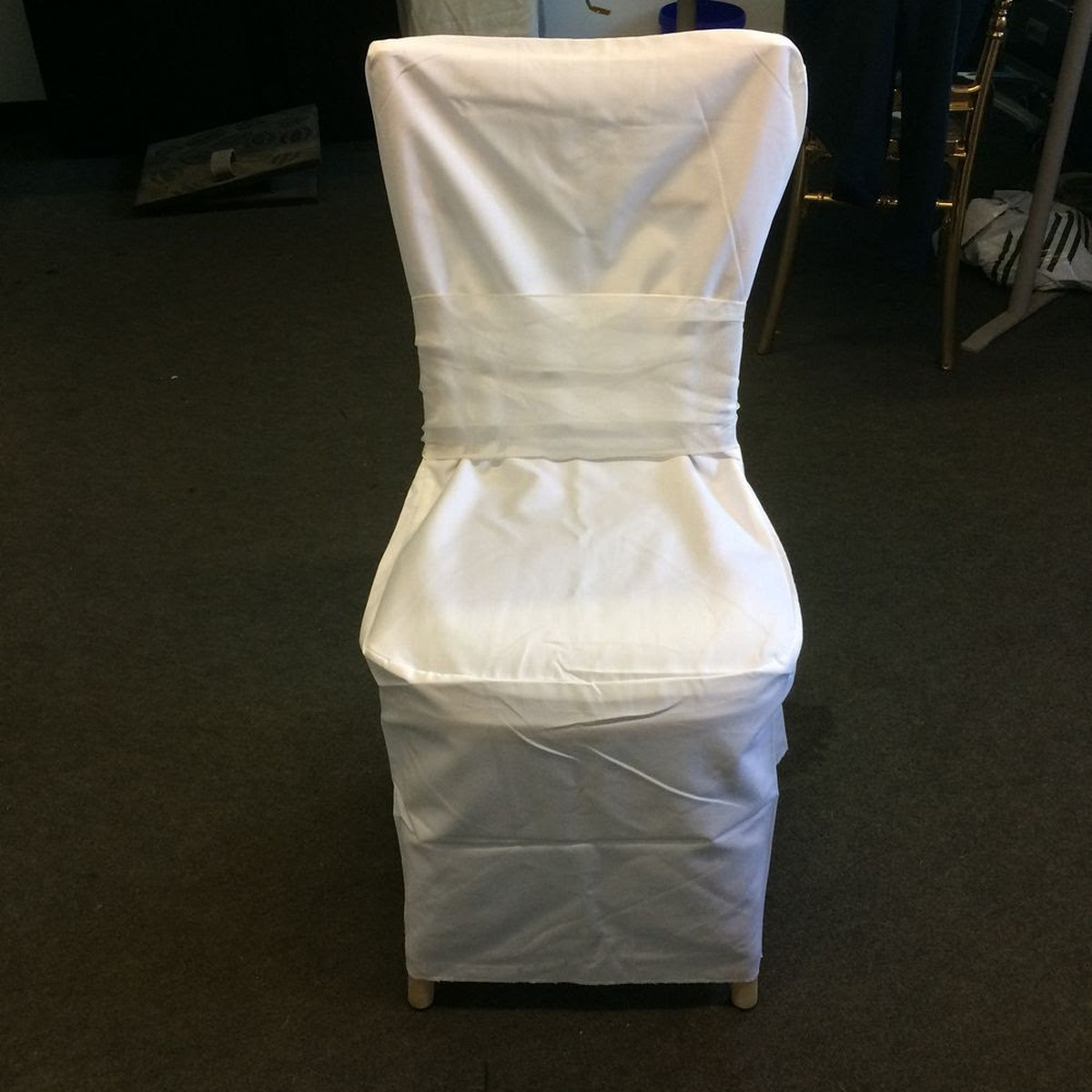 chair covers white linen tommy bahama lounge secondhand catering equipment table and decor