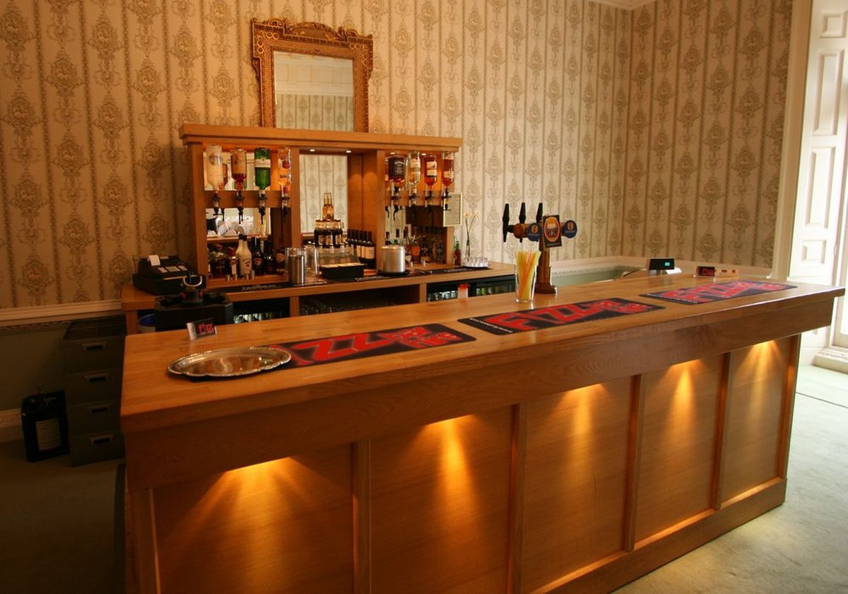 Secondhand Hotel Furniture  Lounge and Bar  Oak Mobile
