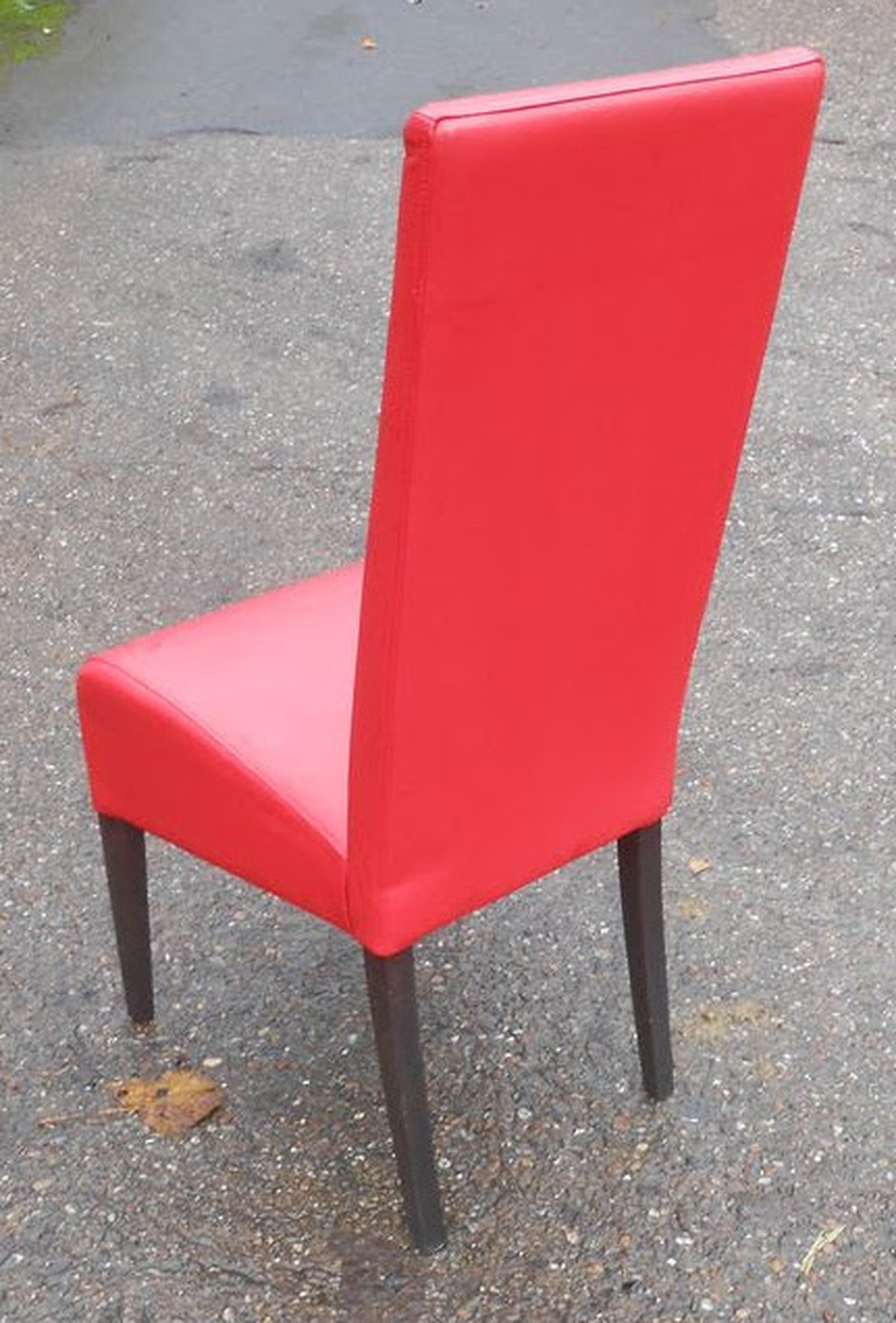 Secondhand Chairs and Tables  Restaurant Chairs  26x Red