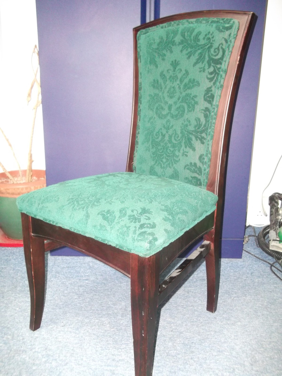 green dining chairs uk shabby chic office chair slipcovers secondhand and tables restaurant 8x