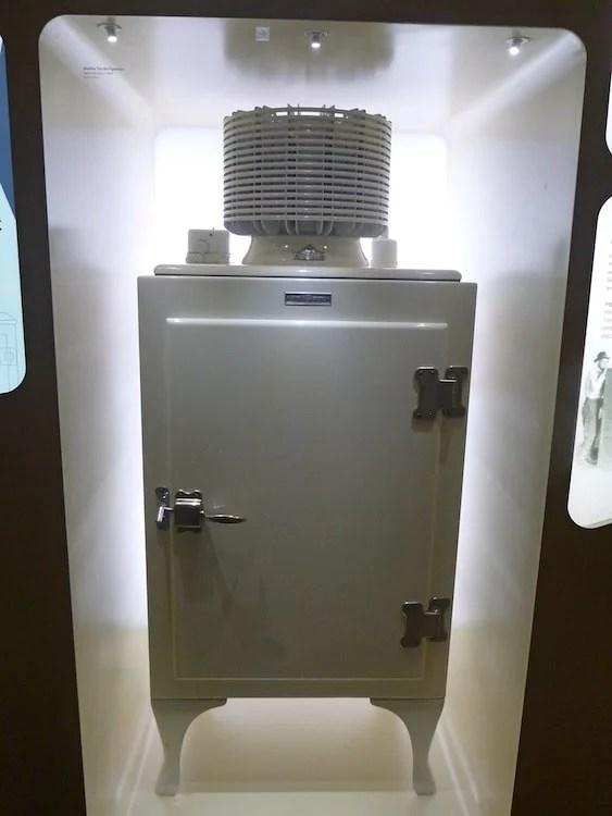 Primeira geladeira da história