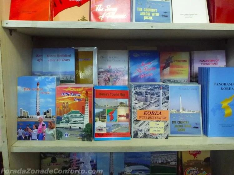 Guias Norte-coreanos livraria Pyongyang