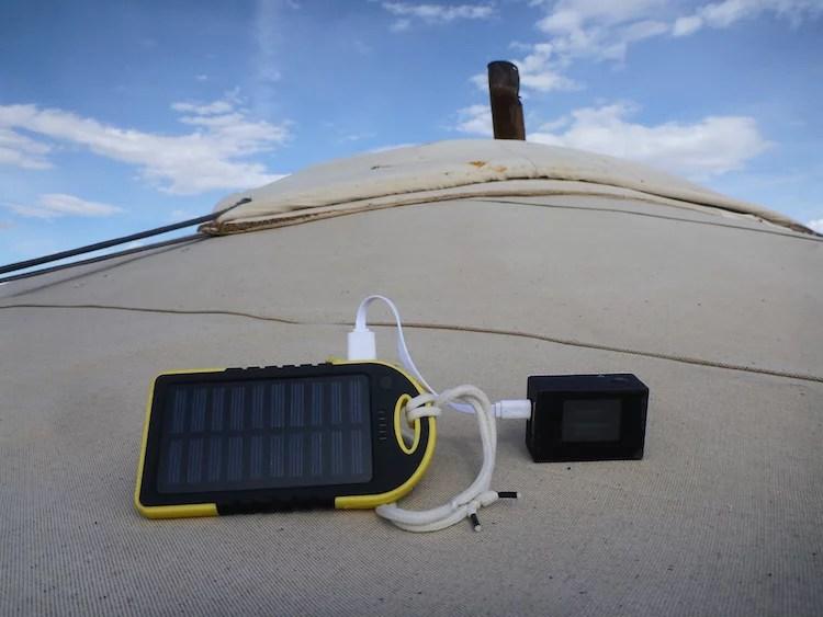 Mini carregador solar para celular