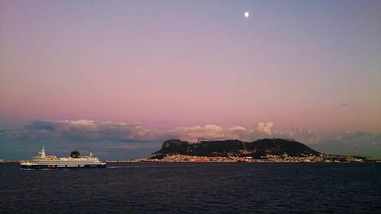 Gibraltar barco Europa Africa Ceuta