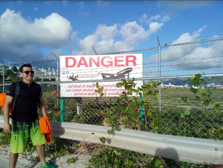 Placa Danger Aeroporto Saint Martin