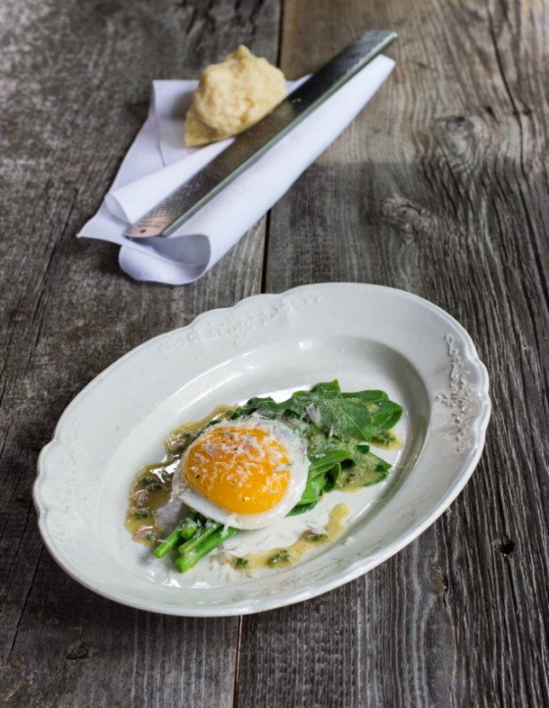 milkweed shoots with a duck egg and chives_-3