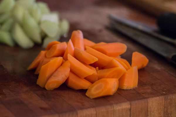 Burdock flower stalk recipe with carrots