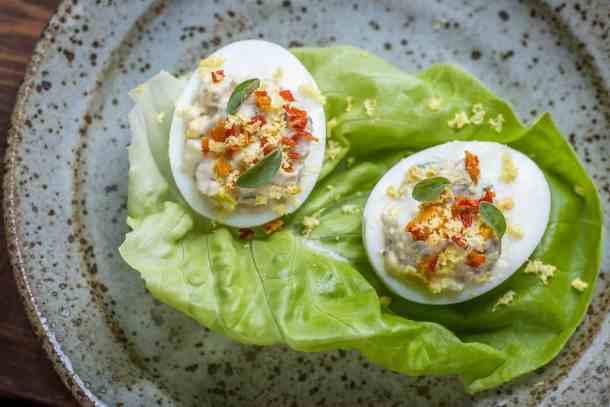 lamb brain recipe in eggs on lettuce