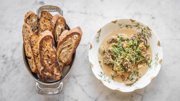 Morilles a la creme French morel mushrooms with cream recipe(8)
