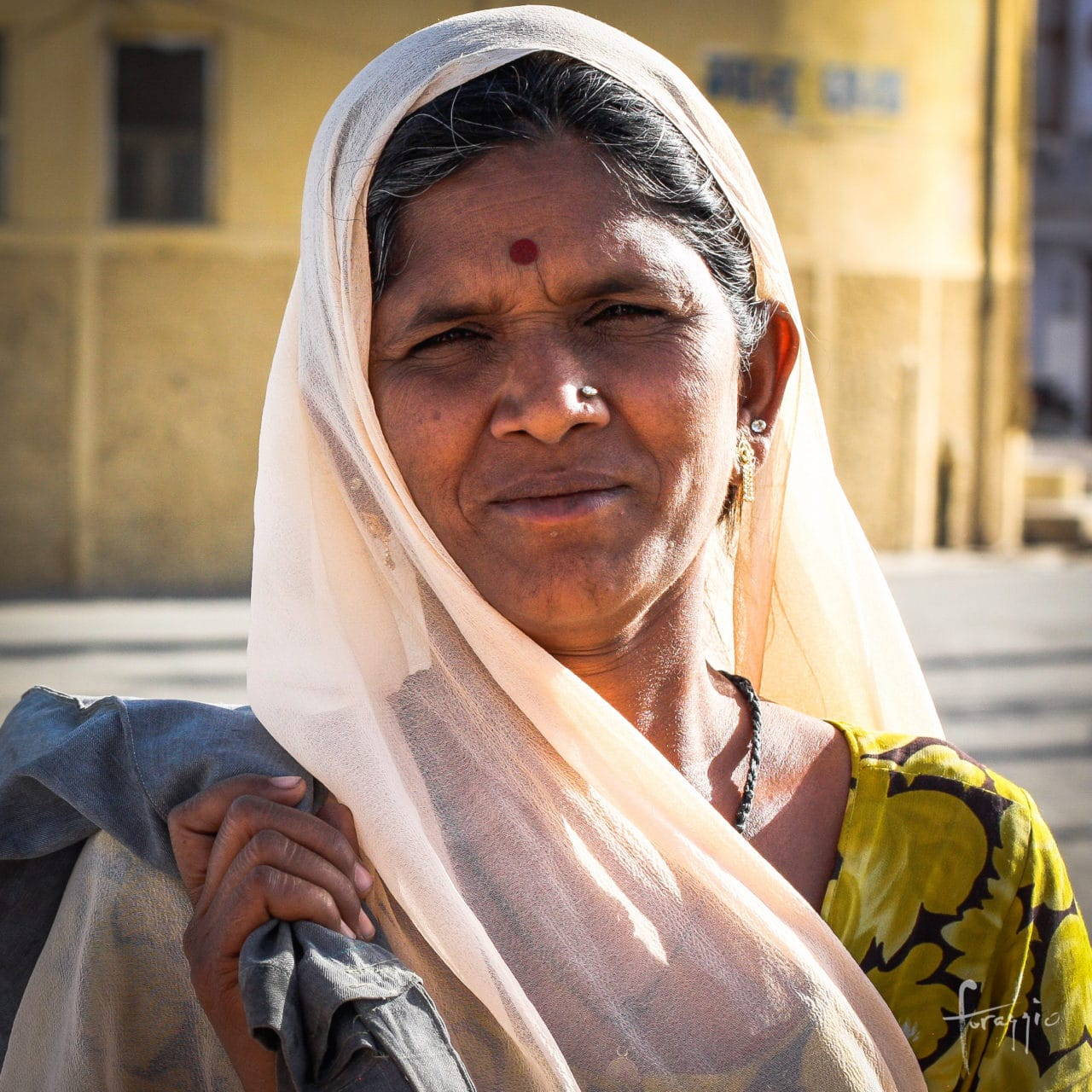 Udaipur woman | Foraggio Photographic