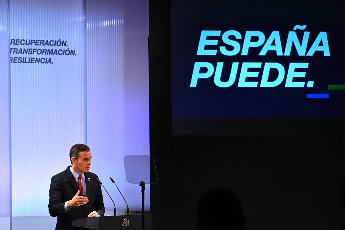 """Ana Botín, Álvarez-Pallete, Pablo Isla y Florentino Pérez entre los asistentes al foro """"España Puede"""""""