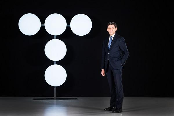 Álvarez-Pallete, reelegido presidente de Telefónica, presenta la nueva imagen corporativa