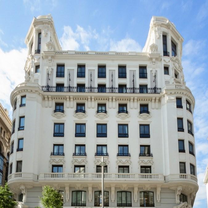 Fachada del Hotel de Cristiano Ronaldo en la Gran Vía de Madrid. Forbes