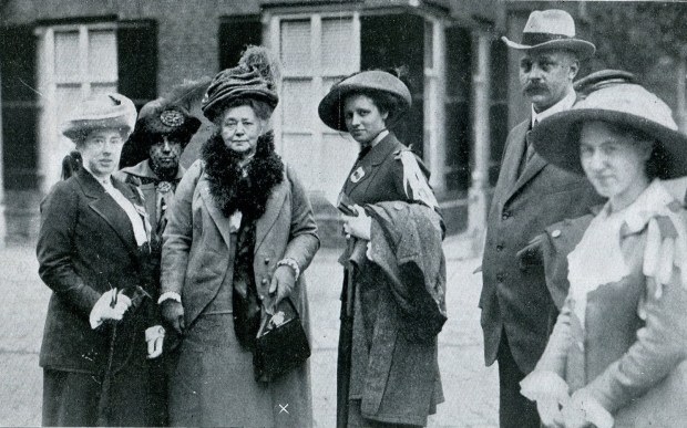 Bertha von Suttner in the middle with members of her International Peace Committee