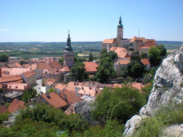 Nikoslburg - or Mikulov, the Moravian origin of the Toch family