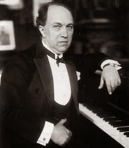Franz Schreker in 1928, the time of his 'Kleine Suite'