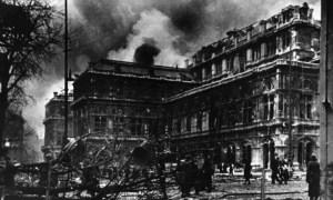 Vienna's State Opera 1945