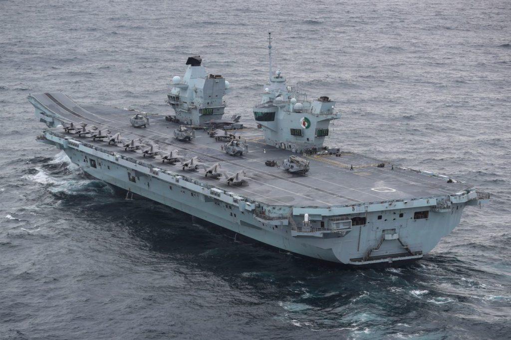 O HMS Queen Elizabeth fará sua primeira comissão como nau capitanea do CSG21 (Foto: RN).