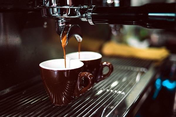 Espresso coffee machine - making espressoo at home