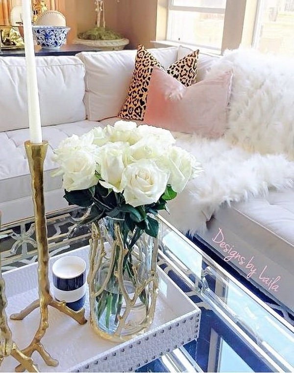 30 beautiful spring living room decoration with flowers and vases30 living room decoration with flowers and vases (via forcreativejuice com)