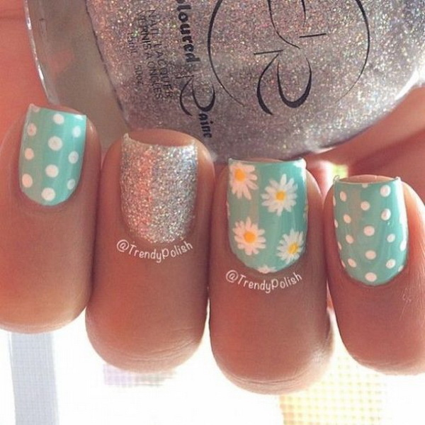 Polka Dots and Daisy Flower Nail Design. (via forcreativejuice.com)