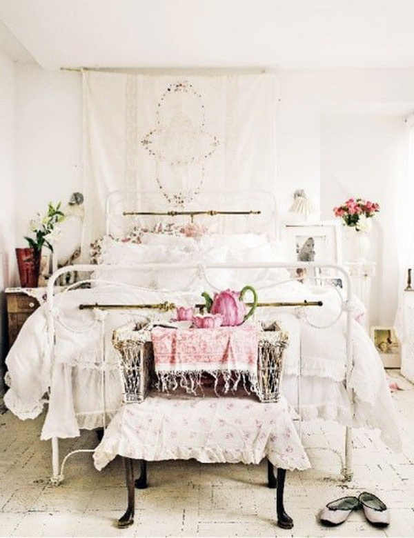 Shabby Chic and Vintage Bedroom.