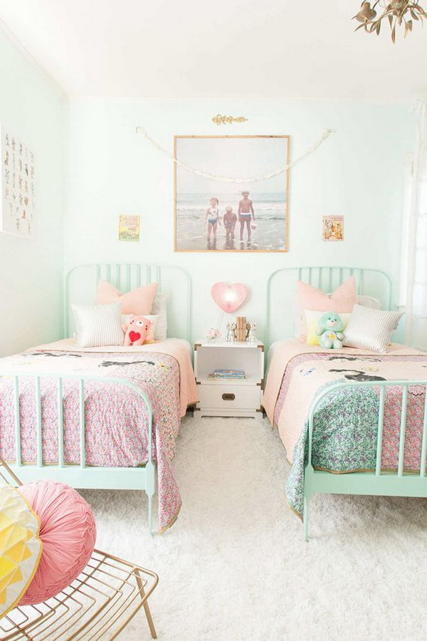 Incroyable Small Shared Room Design And Decoration Idea. Pink And Turquoise Color  Scheme Are The Favorite