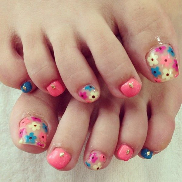 Multi-colored Floral Toe Nails.