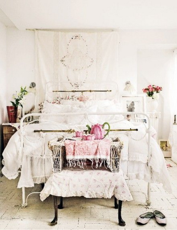 Whitewashed Shabby Chic Bedroom Decorating Idea